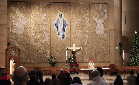 New Marian tapestry completes LA cathedral's 'Communion of Saints'