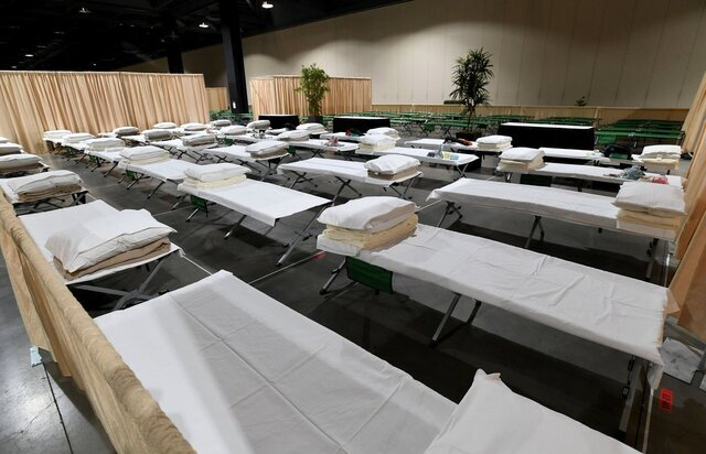 SoCal migrant shelters allow Masses for unaccompanied minors