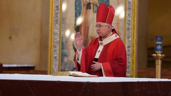 Archbishop Gomez offers personal prayers, support for healthcare workers
