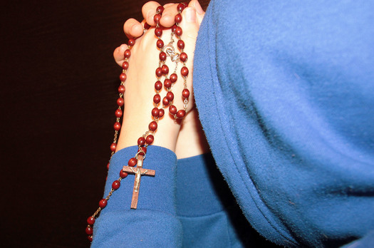 woman praying rosary | Gabriel Project | St John the Apostle Catholic Church | Leesburg VA