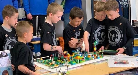 Lego League, 6-8th grade, Challenge Games, Research Projects, and Presentation Skills and Competition