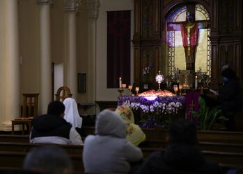 LA parishes take hybrid approach to engage Catholics in pandemic Lent