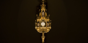 Sign Up for Eucharistic Adoration
