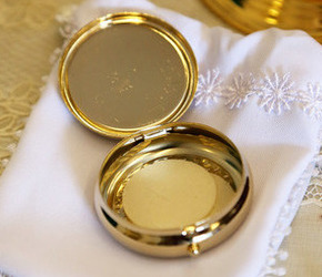Home Communion visit pyx