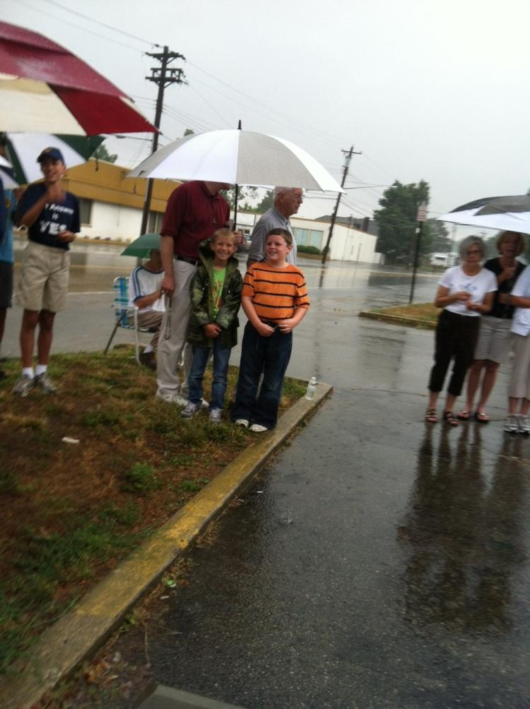 Praying the rosary outside the Sharonville abortion clinic