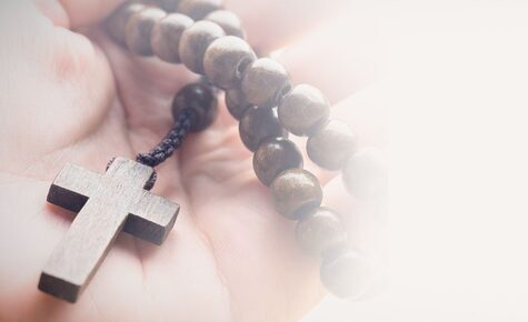 Shrines around the world link up for the Rosary