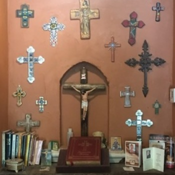 4 Reasons To Have A Crucifix In Your Home