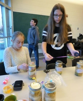 NJHS Members Pack Christmas Baskets for Needy Families