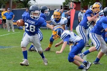 Lakes 7/8 Football Cruise to their 5th Straight Victory and CYO Semi-Finals 26-0!