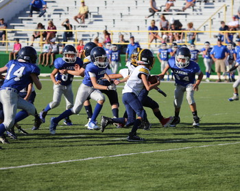 5/6 CYO Football cruises to 2nd straight victory 32-0