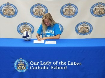 Laker senior signs to play volleyball at Madonna University