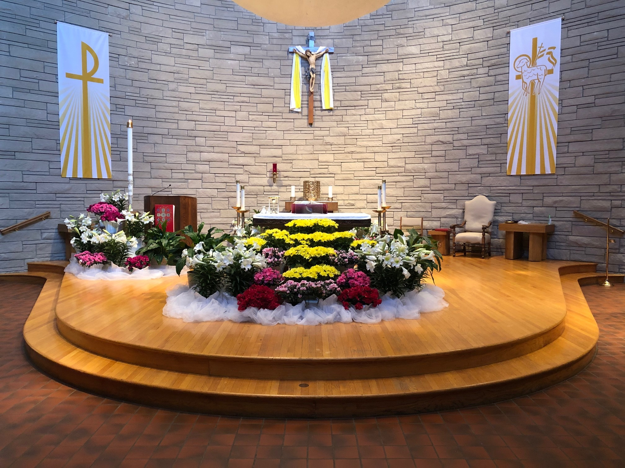 Welcome to Our Lady of the Lakes Catholic Church