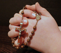 Pray the Rosary (Online)
