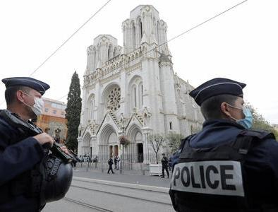 French bishops order 'death knell' after three killed in Nice basilica
