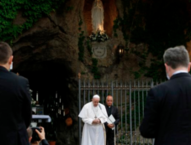 Pope leads rosary to pray for pandemic's end