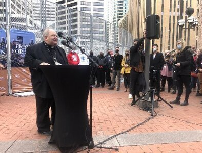 Minnesota faith leaders pray for peace, justice during Floyd trial