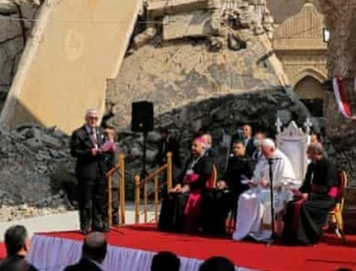 Pope gives $350,000 to help suffering Iraqi families