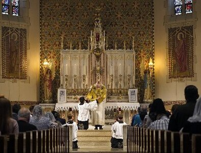Traditional Latin Mass 'movement' sows division, archbishop says