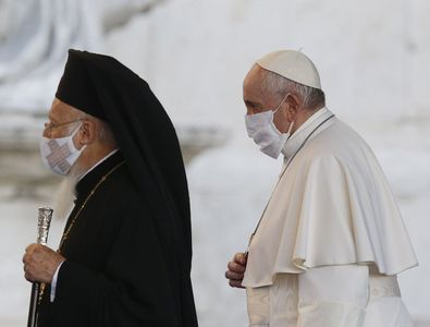 Pope, religious leaders pray for peace, greater care for one another