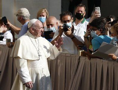 Pope Francis: Confront Covid with unbounded love