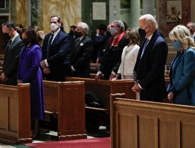 Leaders of both parties join Biden, Harris for Mass of thank