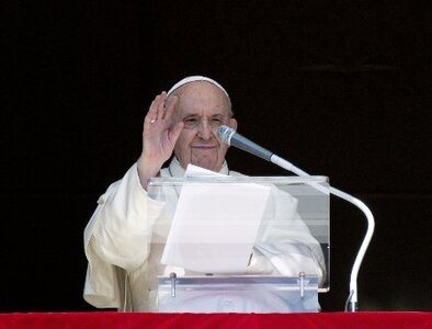 Faith is not a transactional relationship with God, pope says at Angelus