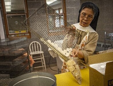 Altar bread-baking sister hopes Communion discussion prompts understanding