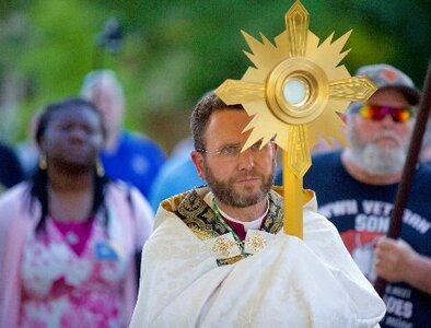 Initiatives on Eucharist aim to give Catholics better understanding