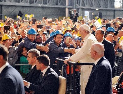 Job creation strengthens dignity in a way subsidies can't, pope says
