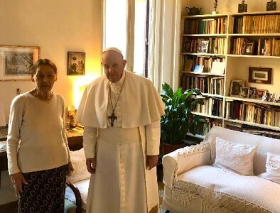 Pope, Holocaust survivor talk about the importance of remembering