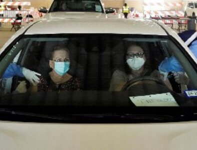 Many Texas parishes to keep face masks, even with mandate lifted