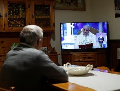 Virtual closeness, real community: Pope's ministry flourished online