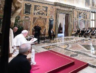 Tenderness, reconciliation needed in today's world, pope says
