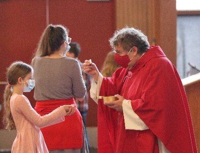 In-person Mass feels more 'grace-filled,' says Oregon parishioner