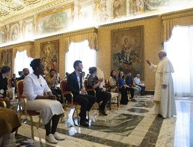 Building new society begins with charity, fraternity, pope says