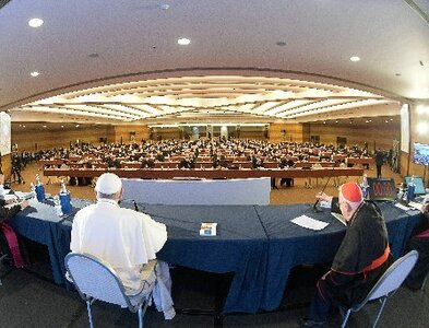 Synod process must begin 'from bottom up,' pope tells bishops