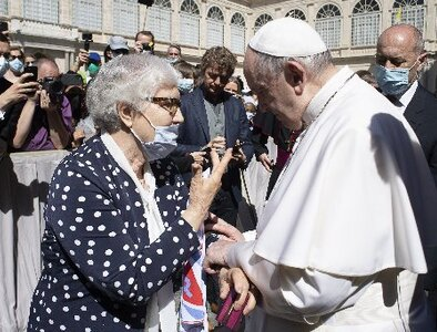 Darkness does not mean devil has won, pope says at audience