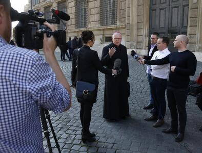 Sense of hope is required for Catholic journalists, Archbishop Lori says