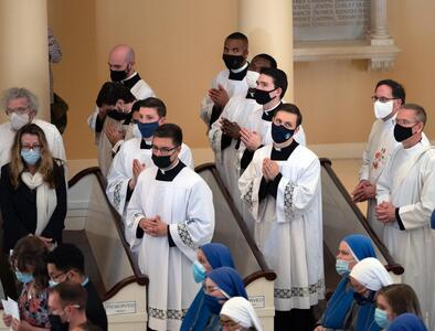 Seminarians learn more from their leaders' lives than words, pope says
