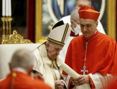 Cardinal keeps limits on private Masses in St. Peter's, allows exceptions