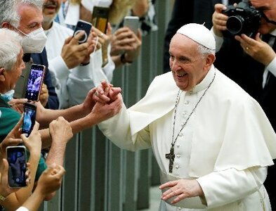 Christians must see the world through the eyes of the poor, pope says