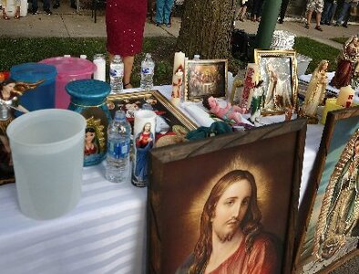 Street Masses bring Catholic Church to the people in Chicago neighborhood