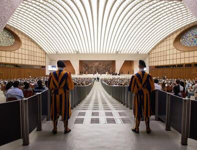 Pope at Audience: Mosaic Law fulfilled in radical newness of Christ