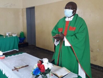 Diabetic priest who had COVID-19 sets up center to help Malawians