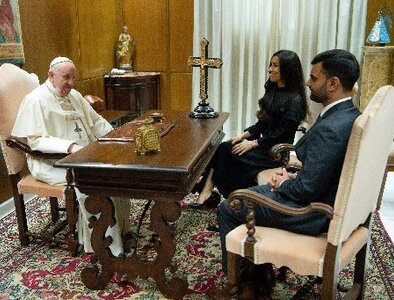 UPDATE: Pope meets with genocide survivor who inspired his Iraq trip