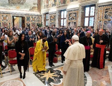 Protect human dignity from high-tech threats, pope tells Catholic lawmakers