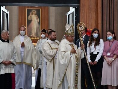 Polish cardinal, blind Franciscan who knew each other beatified together