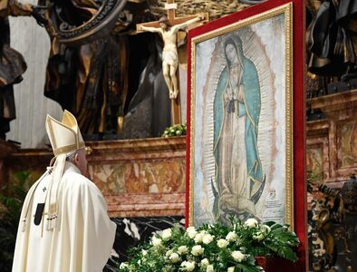 Pope urges Mexicans to communion and full life