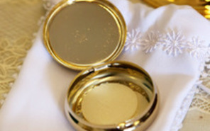 Eucharistic Ministry to Sick and Homebound