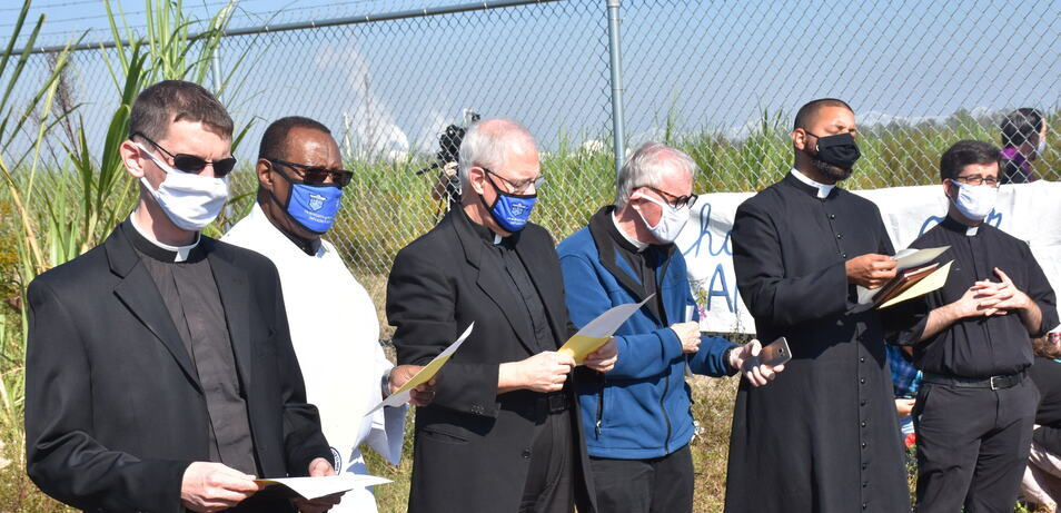 Bishop Duca celebrates prayer service at Formosa plant site